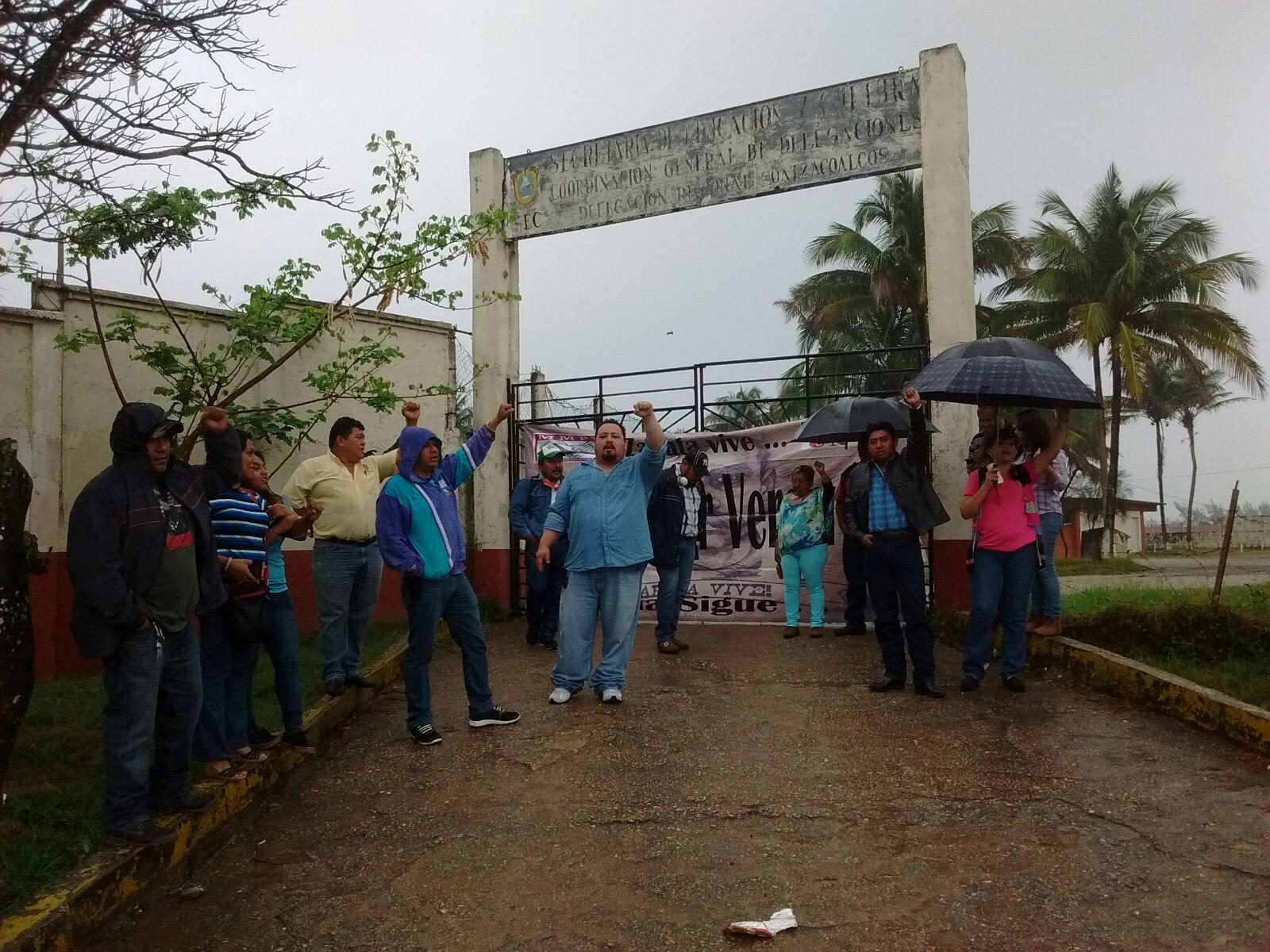 MMPV toma delegaciones SEV centro y sur por cese de maestros