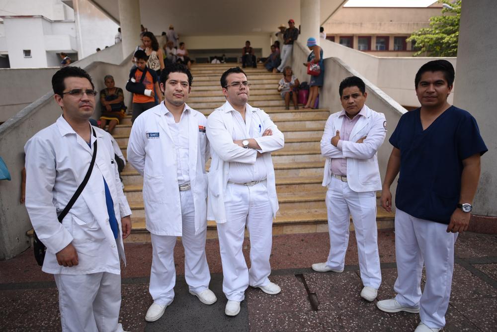 Residentes del Hospital General de Veracruz en paro, denuncian carencias