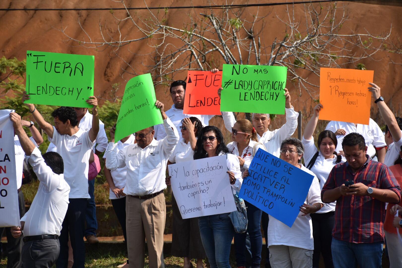 Trabajadores exigen la destitución de la nueva directora del Icatver