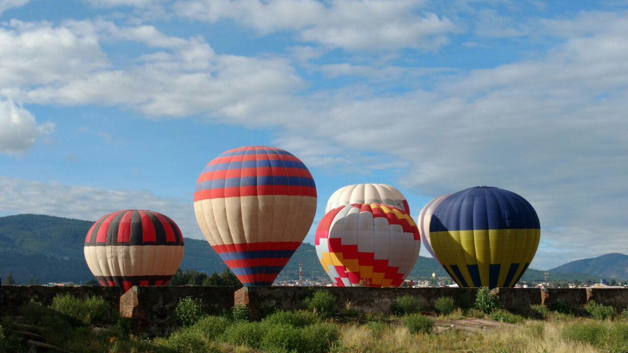 Lazan al aire 12 globos aerostáticos en Perote