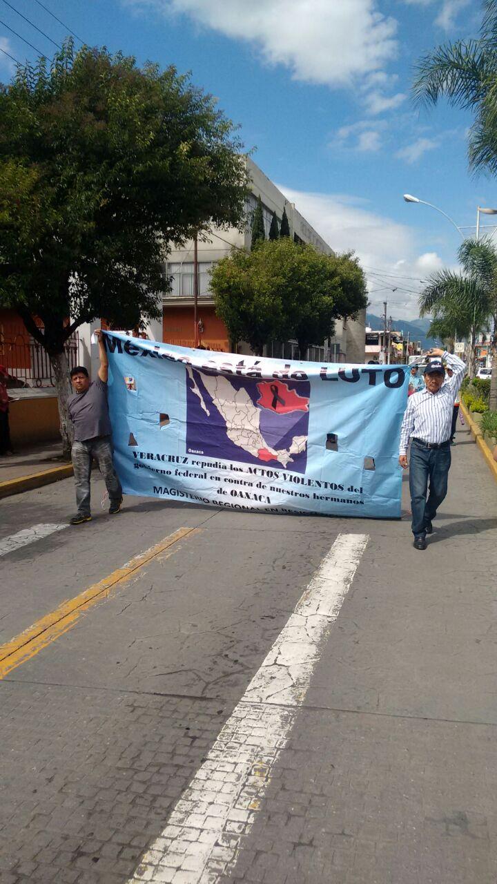 """Peña Nieto debe pedir perdón """"por agraviar a maestros"""": MMPV y CNTE"""