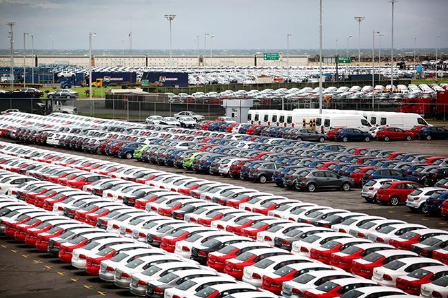 Cae 10% la exportación de vehículos por el puerto de Veracruz