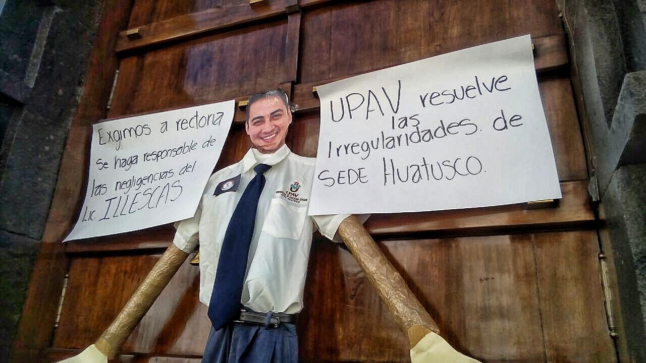 Incertidumbre en egresados de la UPAV por señalamientos de la SEP
