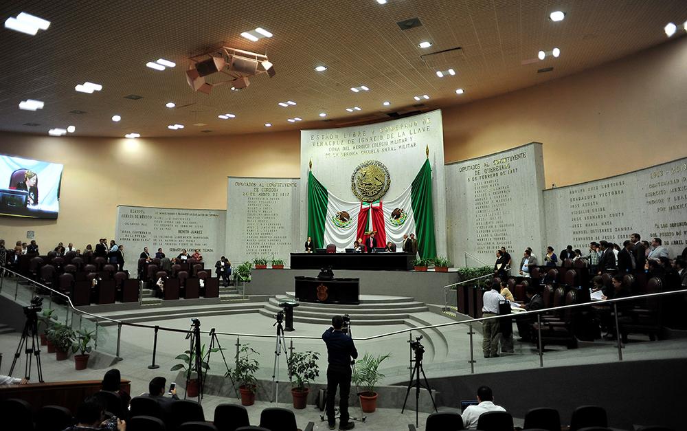 Diputados alistan negociación para la reestructuración de la deuda
