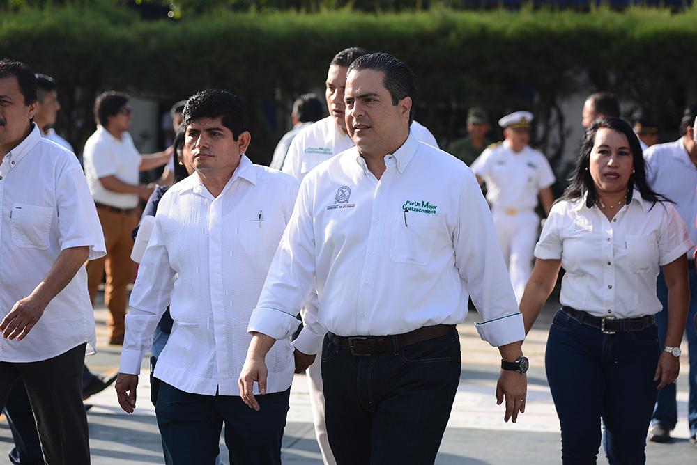 Piden a alcalde de Coatzacoalcos mayor vigilancia en escuela primaria