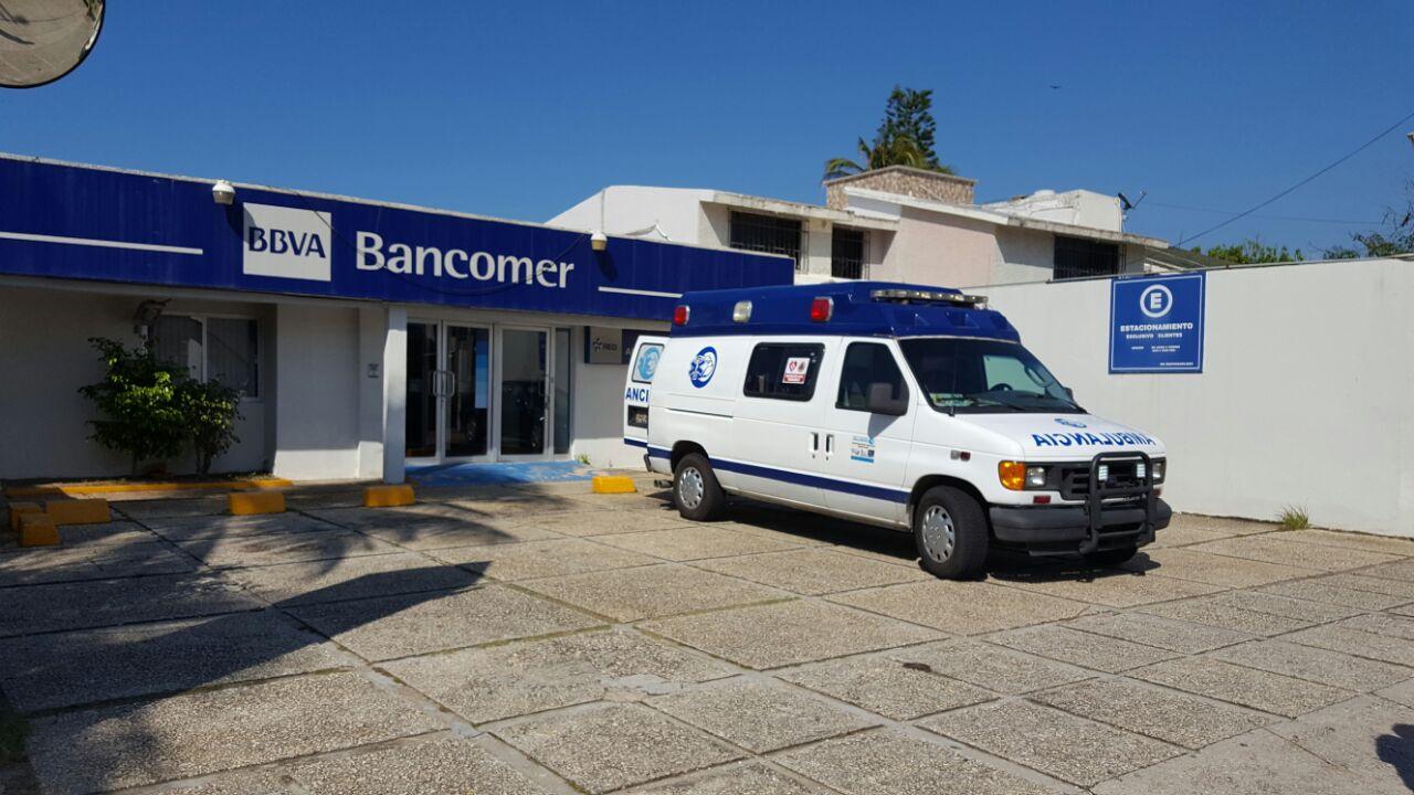 Sujetos armados asaltan Bancomer de Coatzacoalcos