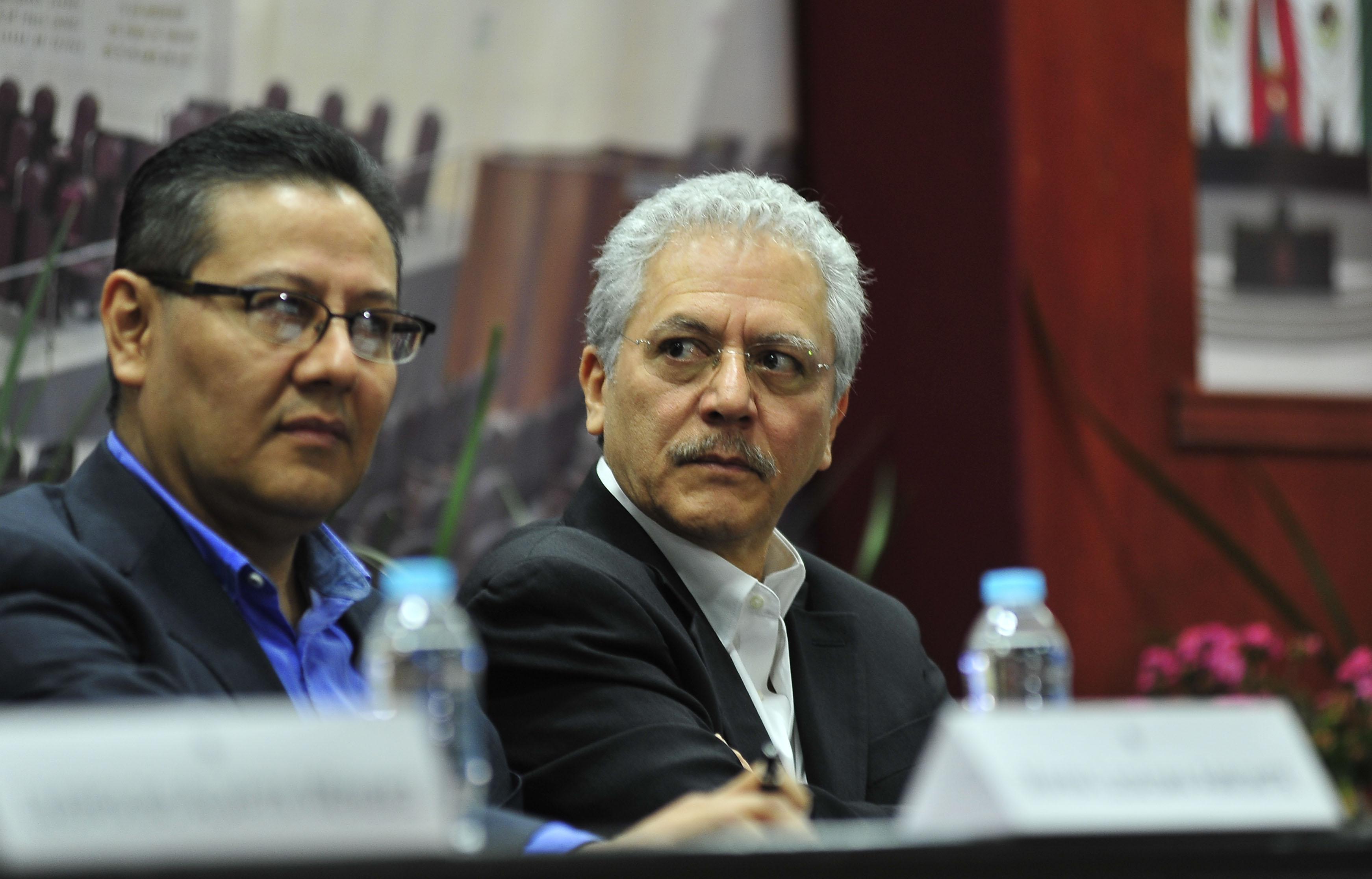 """Yunes Linares """"está en pánico"""" por falta de resultados: investigador"""