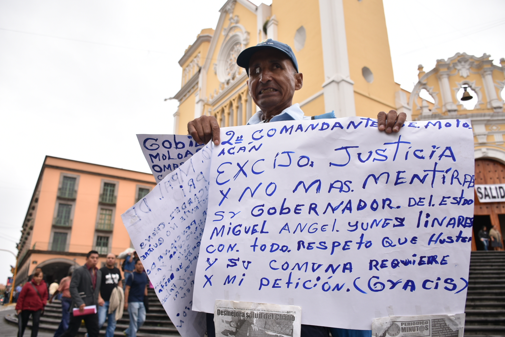 Policía de Moloacán regresa a manifestarse en Xalapa