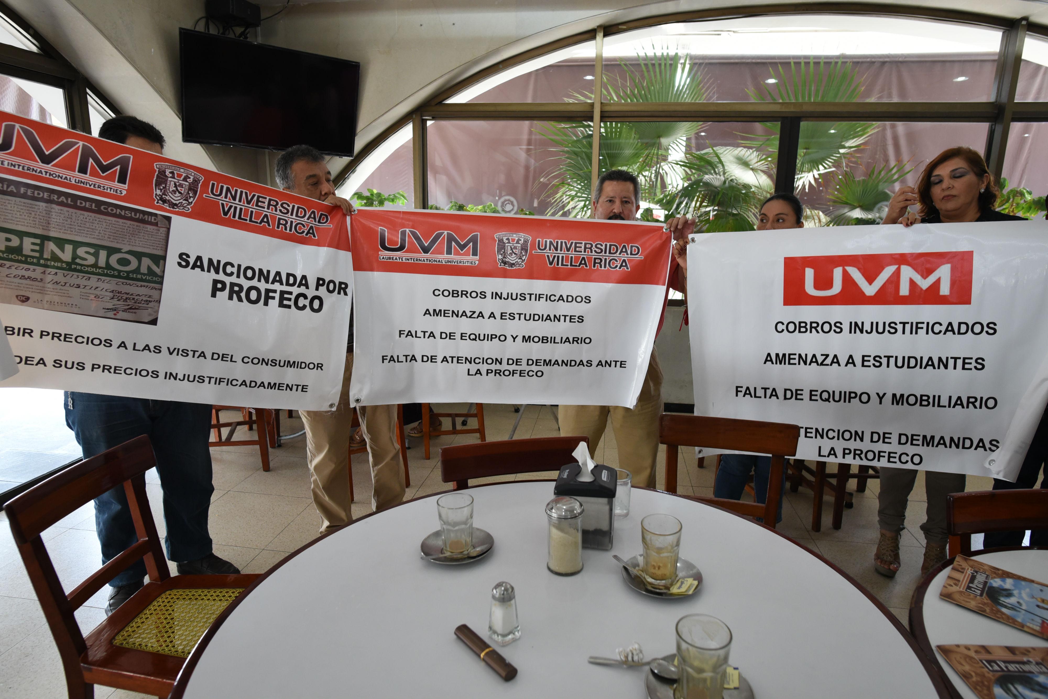 Denuncian padres de familia cobros indebidos en la Universidad del Valle de México