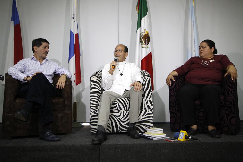 Solalinde pide a Yunes realizar diagnóstico por fosas en Veracruz
