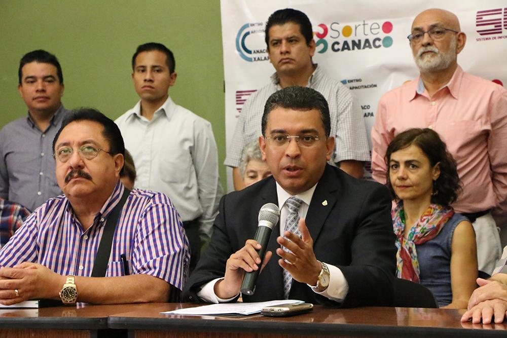 Caerán 60% ventas en centro de Xalapa por rehabilitación de vialidad: Canaco
