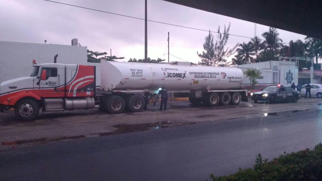 PF recupera dos tractocamiones con combustible presuntamente robado