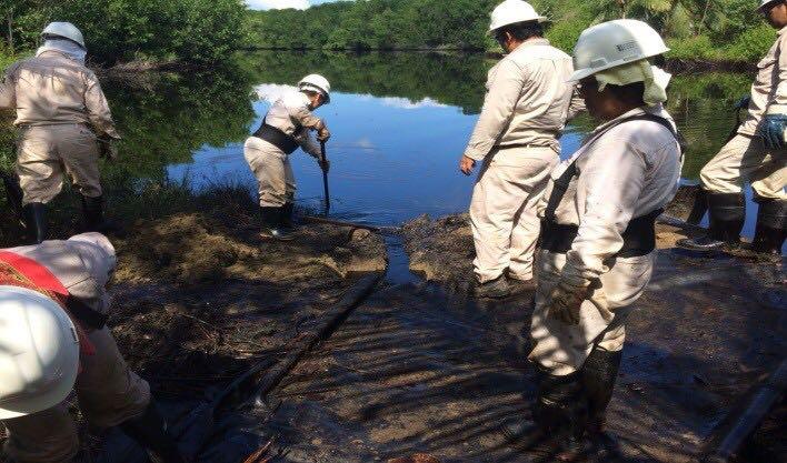 Derrame en el río Tonalá ex por vandalismo, justifica Pemex