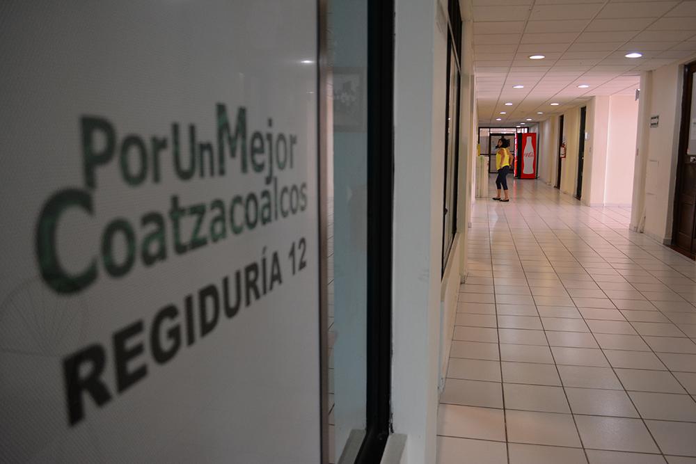 Deben aguinaldo a dos mil trabajadores del Ayuntamiento de Coatzacoalcos