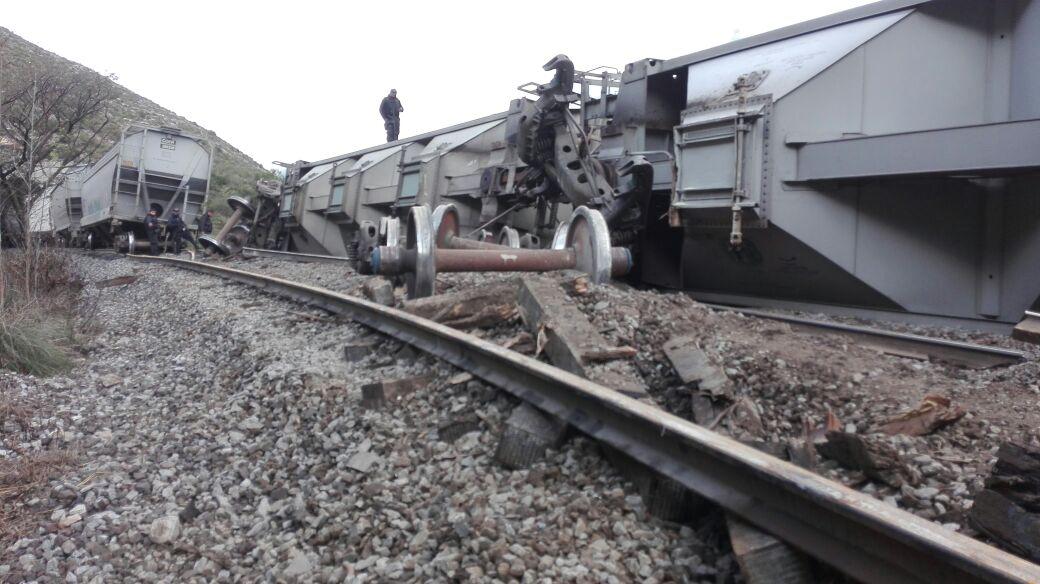 Delincuentes descarrilan tren en Acultzingo, Veracruz
