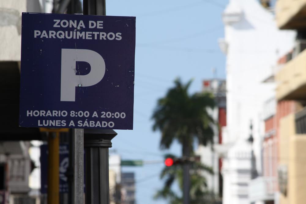 Canaco, contra arrastre de grúas a quienes no paguen multa a parquímetros