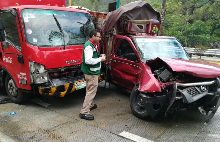 Llueve en Xalapa y ocurren cinco accidentes automovilísticos