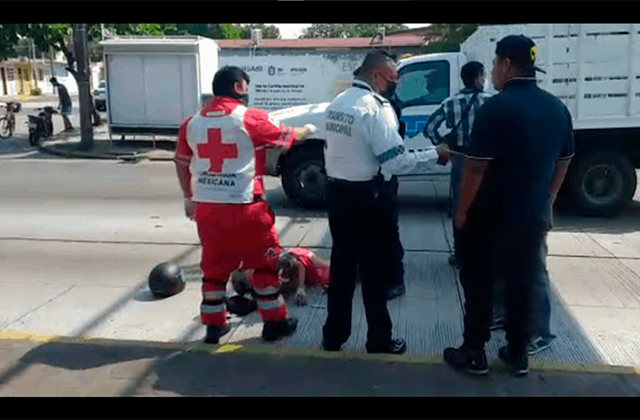 Adulta mayor es atropellada por un motociclista en el puerto