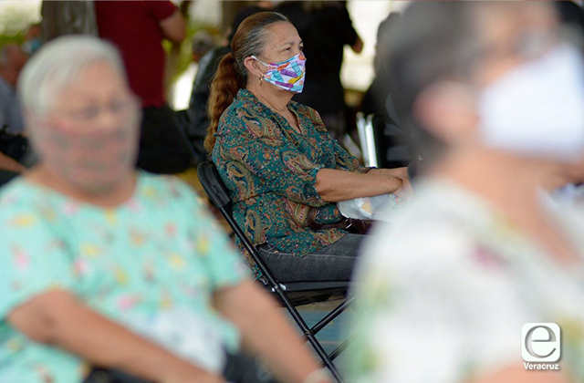 Diputados de Veracruz dejan sin pensión a adultos mayores