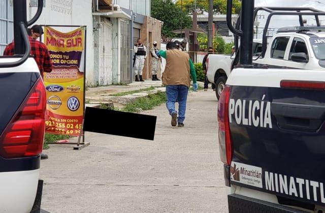 Taxista de Minatitlán es asesinado en plena calle