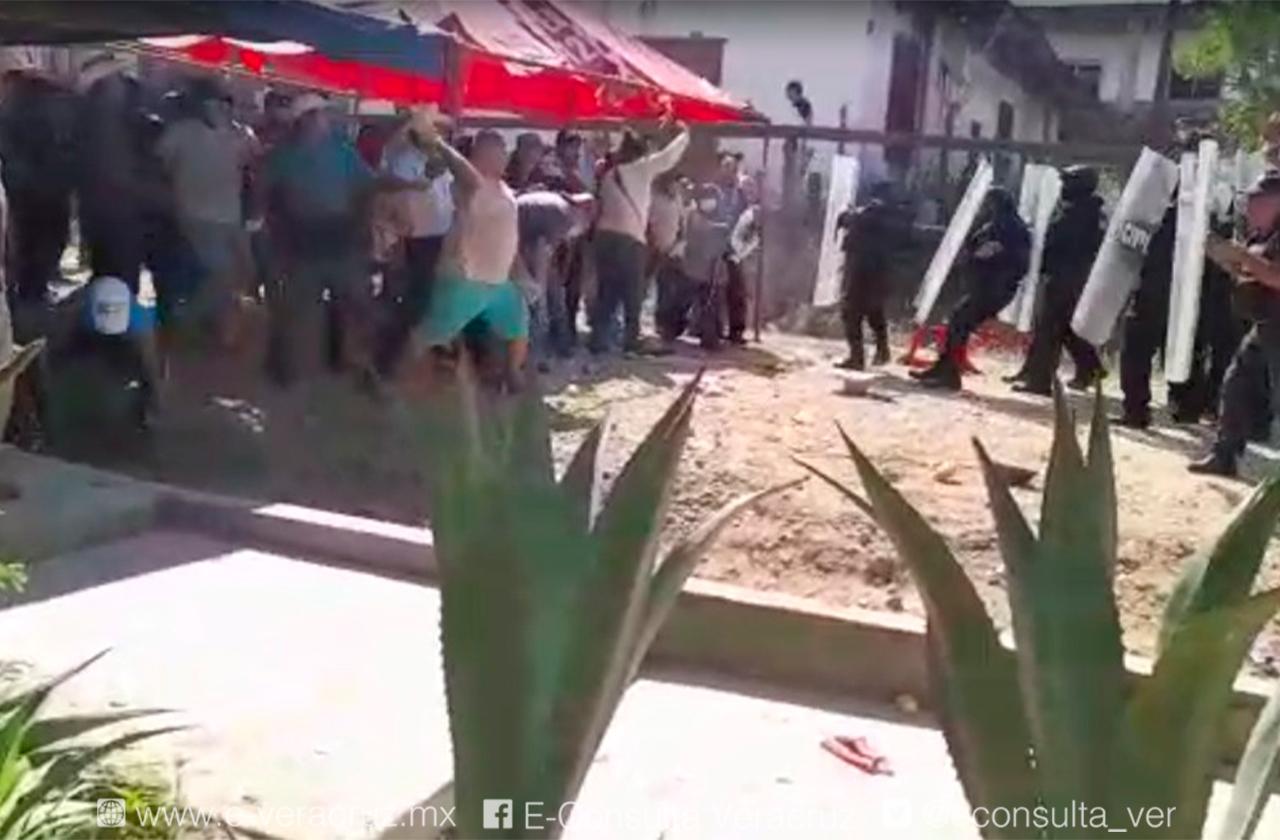 Violencia en Jesús Carranza fue iniciada por alborotadores: Gobernador