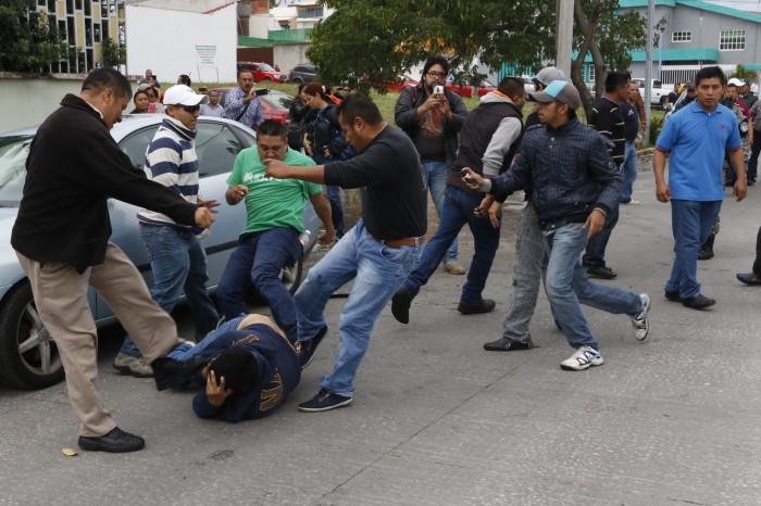CNTE presenta denuncias por agresiones de la semana pasada