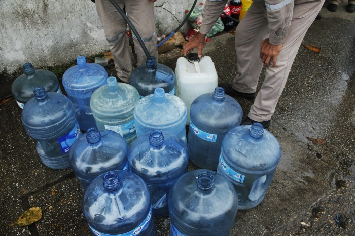 Denuncian escasez de agua potable en Poza Rica