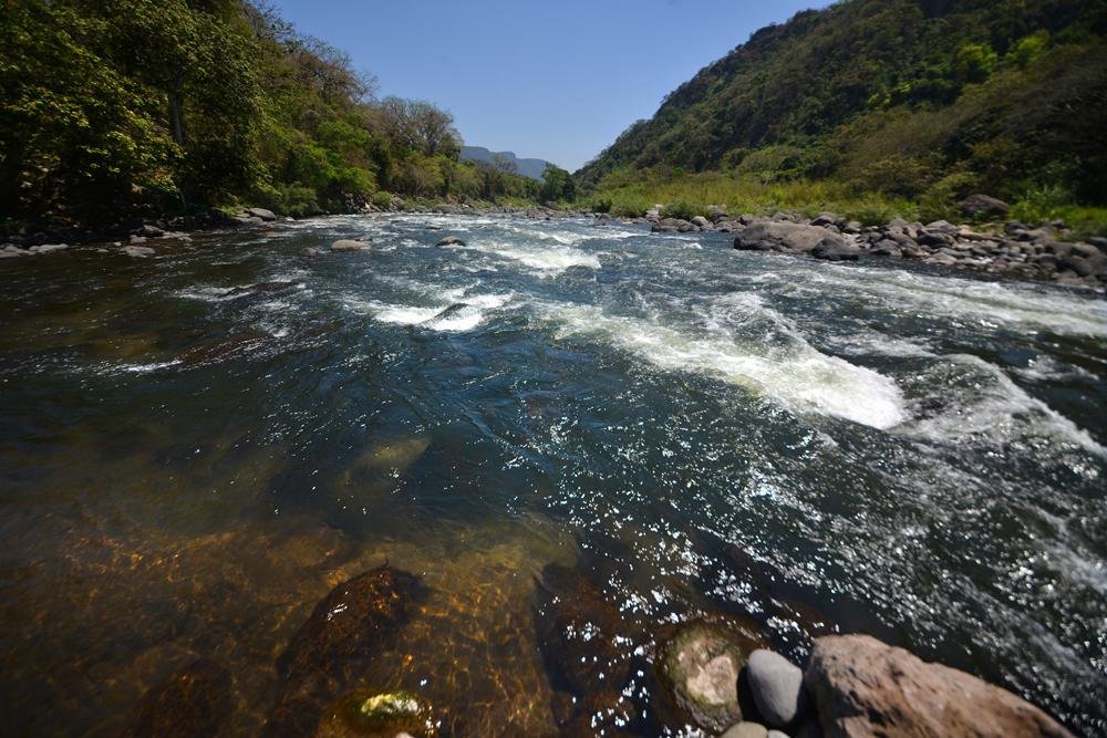 Se limitará a 25 litros diarios, acceso al agua con nueva Ley