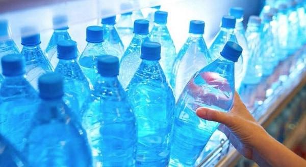 ¡Cuidado! Estás comprando agua embotellada contaminada