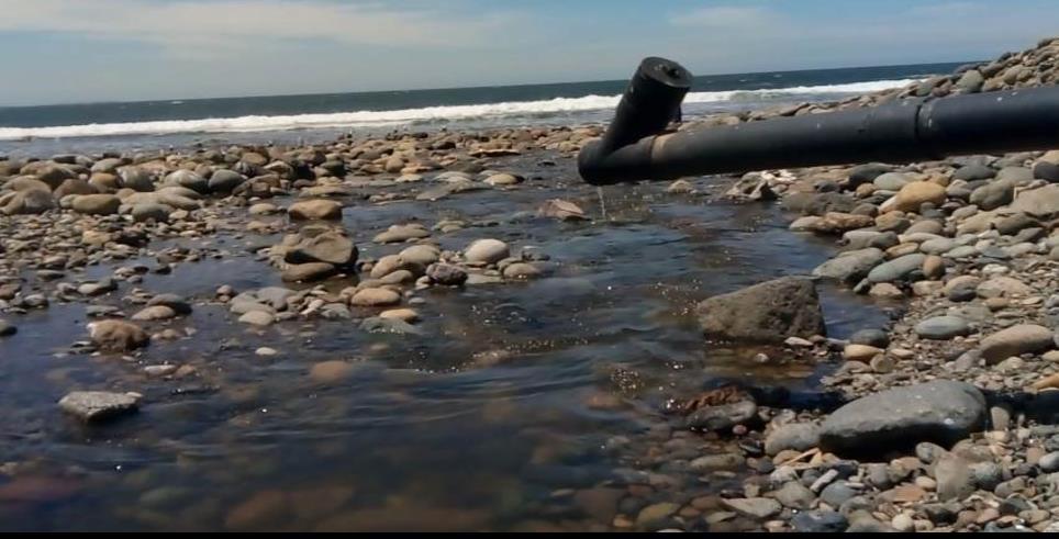 Continúan descargas de aguas negras en playas: pescadores
