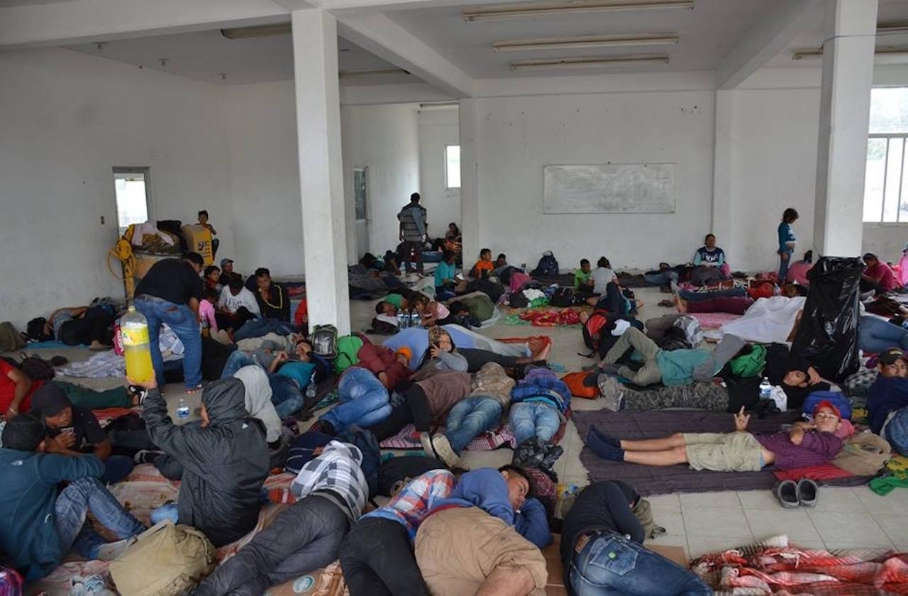 Aíslan a migrante hondureño con síntomas de covid, en Acayucan
