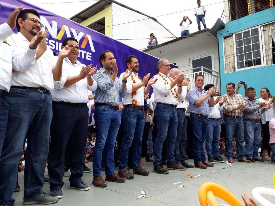 En contingencia, alcalde de Veracruz deja ciudad para ir a mitin de Anaya