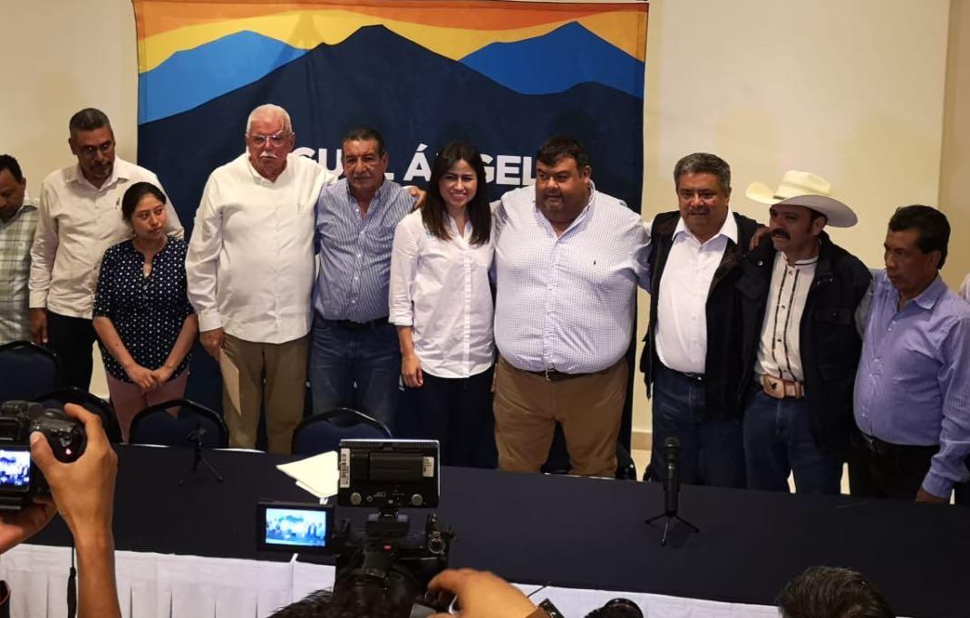 En agradecimiento al papá, alcaldes de oposición se suman a campaña de MAYM