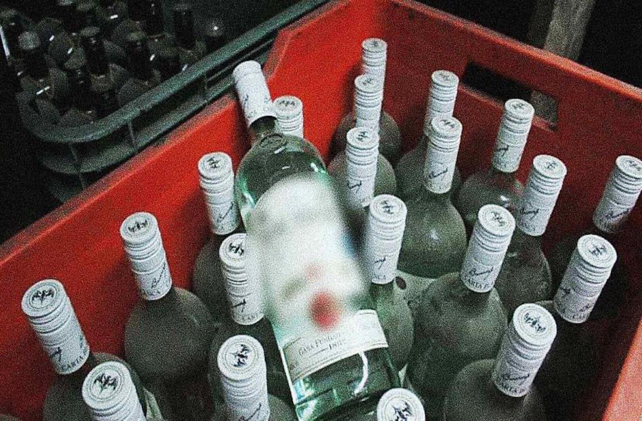 Mueren dos por beber alcohol adulterado, en Rafael Delgado