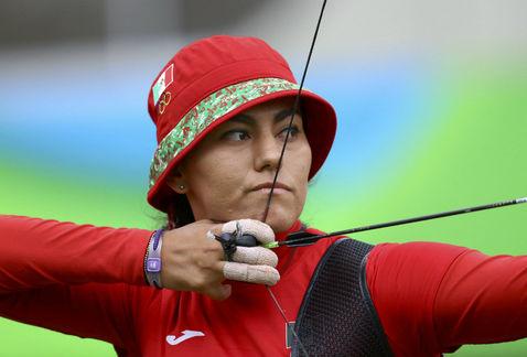 La arquera mexicana Alejandra Valencia sigue ganando y avanza a cuartos de final