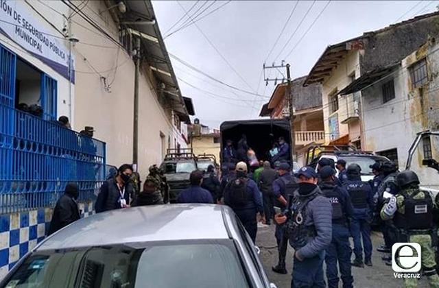 Tras multihomicidio, GN y SSP suplen a policías de Altotonga