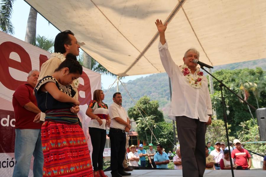 Agradece López Obrador a Nuño declaración sobre reforma educativa