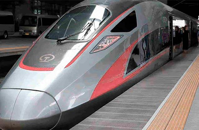 AMLO apoya proyecto de tren ligero, en Xalapa