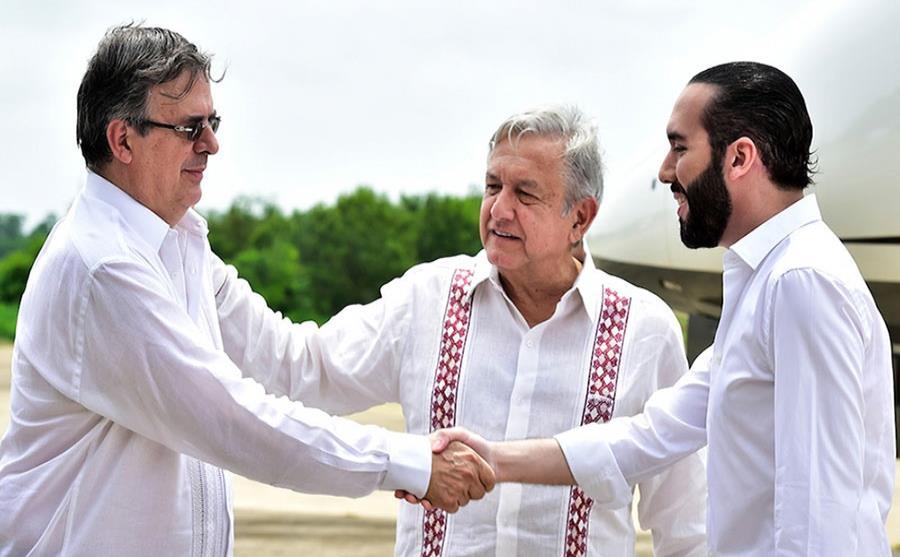 El Salvador no usa dinero de México para replicar programas de AMLO