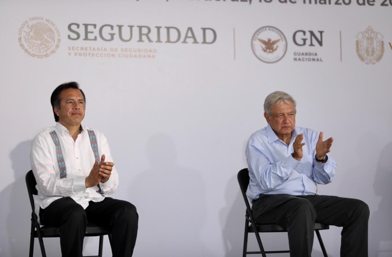 Violencia y represión enturbian pacto democrático de AMLO en Veracruz