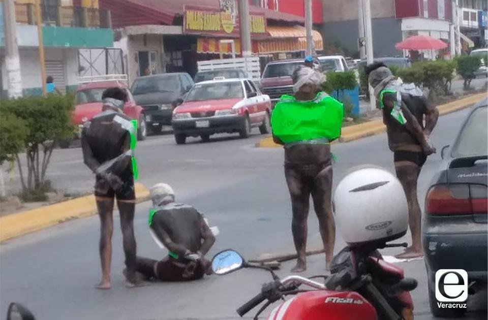 Hombres armados abandonan a personas amordazadas en Pánuco