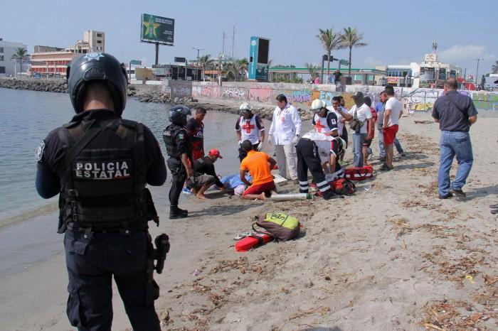 Rescatan a sexagenaria a punto de ahogarse en Playa Martí