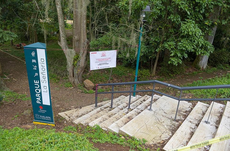 Rehabilitan andadores en  el parque urbano La Señoría