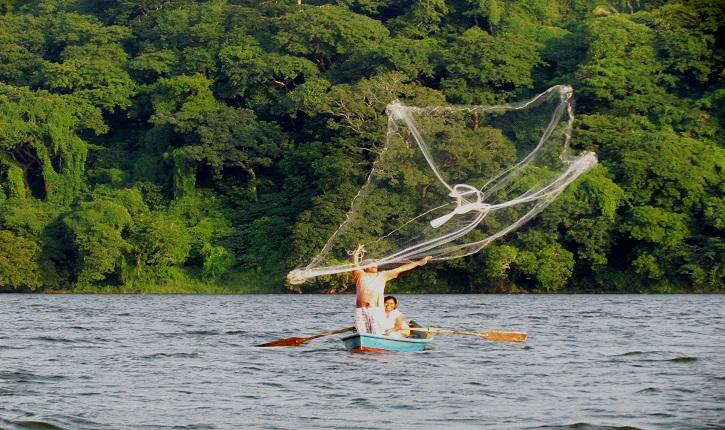 Desaparecen 3 pescadores de Catemaco en altamar
