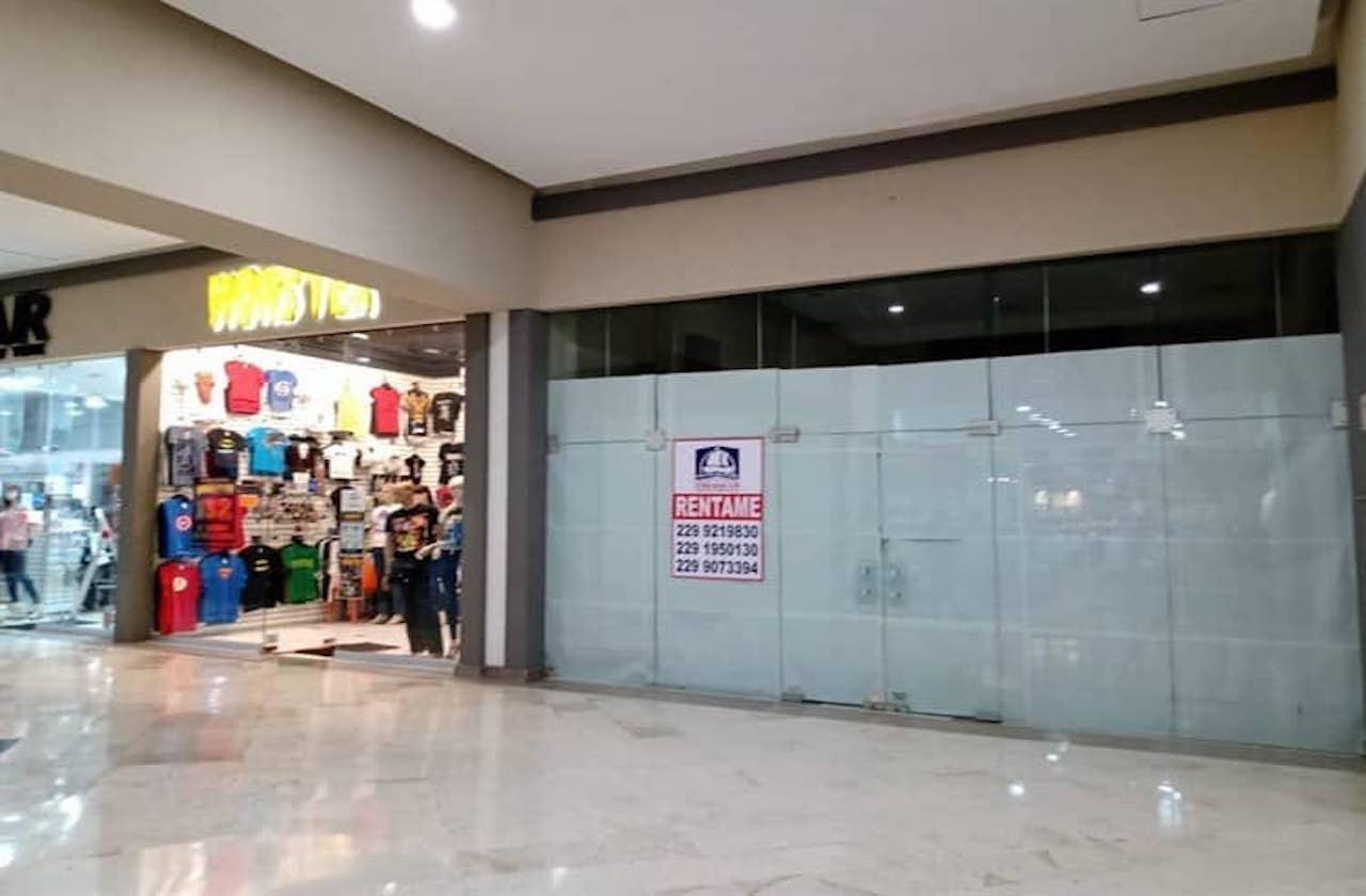 Ante crisis, aumenta cierre de negocios en Plaza Américas