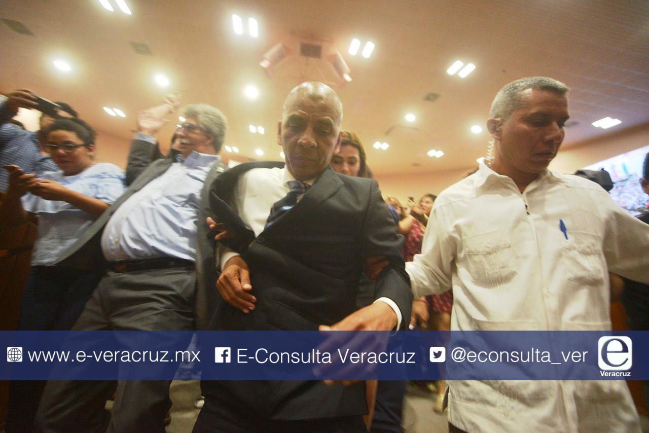 """Con espíritu duartista, PAN impone a """"fiscal carnal"""" en Veracruz"""