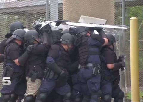 Envía EU tropas a la frontera por caravana migrante