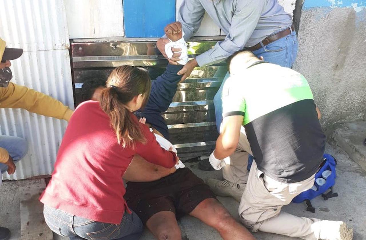 Apuñalan a vendedor de pollos, en Nogales