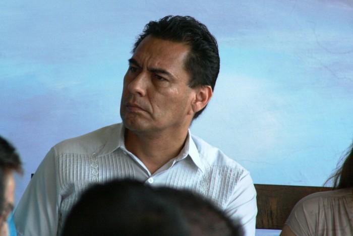 Líder del SNTE no quedará impune : Llanes