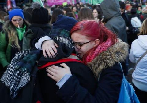 Senado vota contra aborto legal en Argentina por estas 3 razones